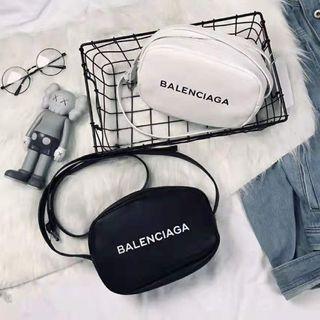 Balenciaga - Balenciagaショルダーバッグ/白い、黒い