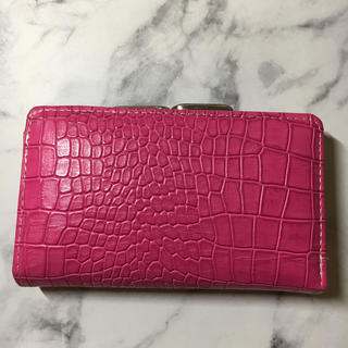 しまむら - しまむら 2つ折財布 ピンク 美品