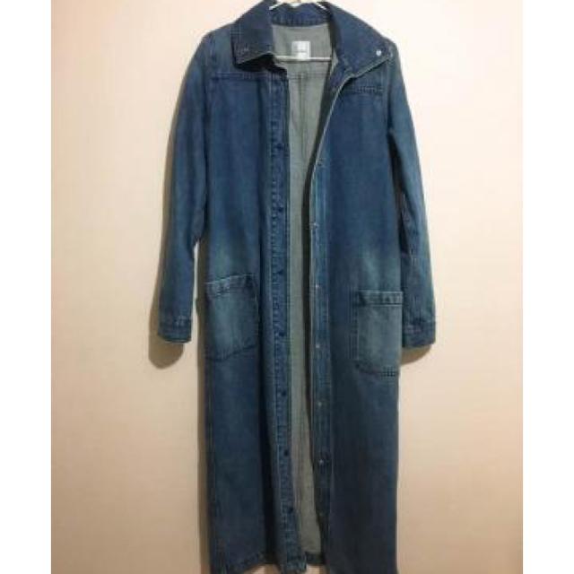 Ameri VINTAGE(アメリヴィンテージ)のAmeri 濃デニムコロングコート レディースのジャケット/アウター(ロングコート)の商品写真