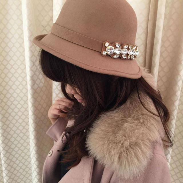 MIIA(ミーア)のビジューアシメボーラーハット レディースの帽子(ハット)の商品写真