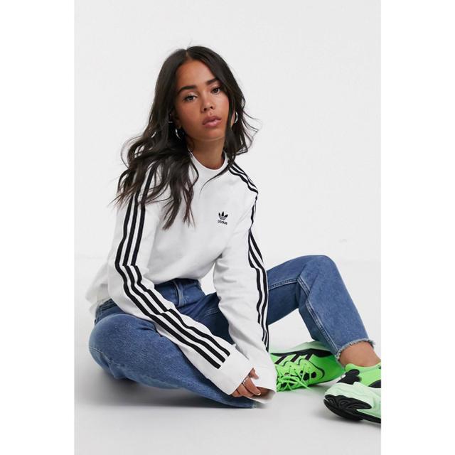 adidas(アディダス)の【Lサイズ】新品未使用タグ付き adidas 3ストライプ ロングスリーブ レディースのトップス(Tシャツ(長袖/七分))の商品写真