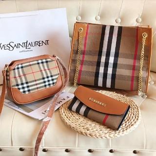 BURBERRY - ハンドバッグ、ショルダーバッグ、財布