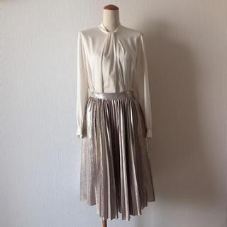 H.P.FRANCE - 美品【neigh】シャンパンゴールド プリーツスカート
