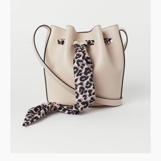 H&M - 新品 H&M スモールバケツバッグ