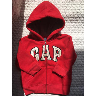 ベビーギャップ(babyGAP)のbabyGAP 赤 パーカー size80(トレーナー)