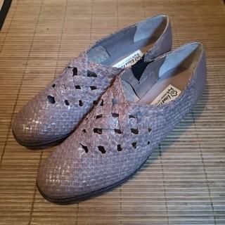 アンティカ(antiqua)のメッシュ 本革 24.0(ローファー/革靴)
