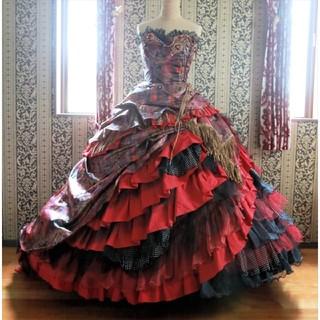【Aya na ture】アヤナチュール『赤と黒のゴシック調ウエディングドレス』
