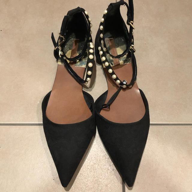 ZARA(ザラ)のZARA パールブラックパンプス レディースの靴/シューズ(ハイヒール/パンプス)の商品写真