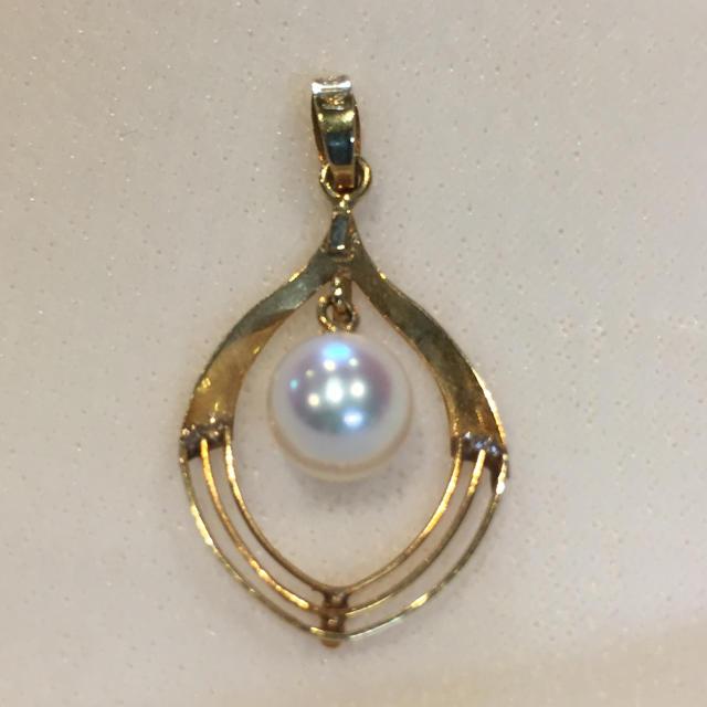 【花珠 級】K18 あこや真珠  ペンダントトップ 19Y-210 レディースのアクセサリー(ネックレス)の商品写真