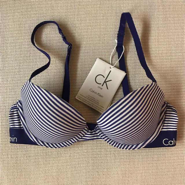 Calvin Klein(カルバンクライン)のCalvin Klein ブラ単品 32B(B70) レディースの下着/アンダーウェア(ブラ)の商品写真
