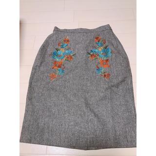 イマージュ(IMAGE)のスカート 刺繍お花柄(ひざ丈スカート)
