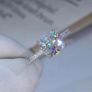 【2カラット 】クッションカット モアサナイト  ダイヤモンド リング(リング(指輪))