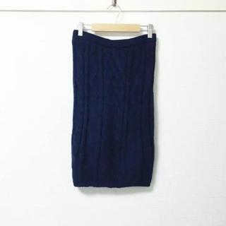 ドゥーズィエムクラス(DEUXIEME CLASSE)のunknown❣️定価2万 ミディ丈 ケーブルニットスカート(ひざ丈スカート)