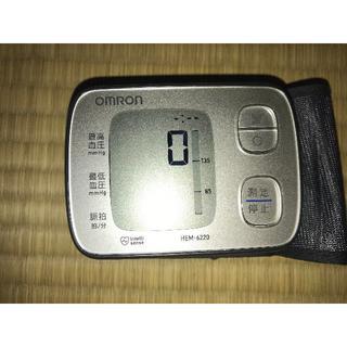 OMRON - オムロン 自動血圧計 HEM-6220-SL