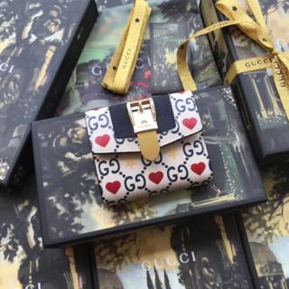Gucci - 【新作】【限定品】GUCCI ミニ財布 sylvie wallet