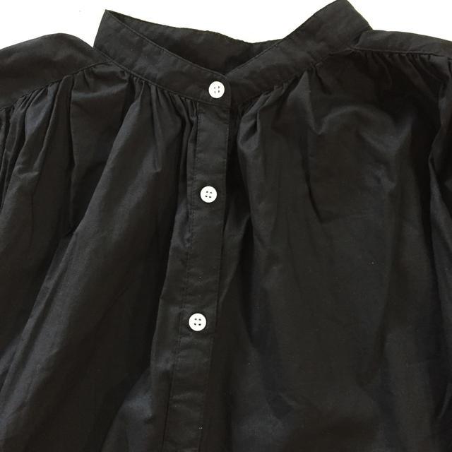 GU(ジーユー)のGU ボリュームギャザーブラウス ブラック M レディースのトップス(シャツ/ブラウス(半袖/袖なし))の商品写真