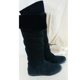 フェラガモ(Ferragamo)のフェラガモ ムートンロングブーツ(ブーツ)