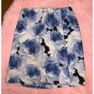 スニープディップ(Sneep Dip)のスニープディップ スカート 薔薇柄(ミニスカート)