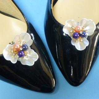 光る真珠の花  シューズクリップ ビジューブローチ NO18(ハイヒール/パンプス)