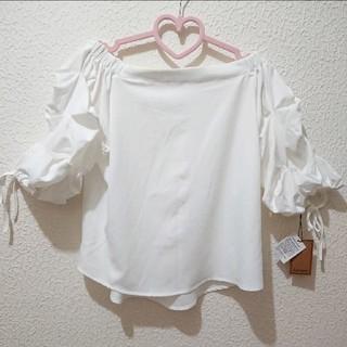 アベイル(Avail)の新品 Avail オフショル リボン ブラウス♥L ハニーズ(シャツ/ブラウス(半袖/袖なし))