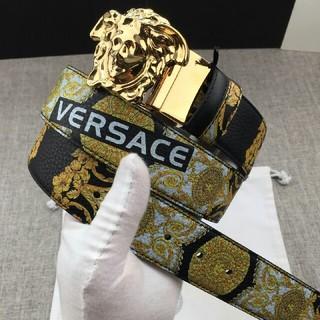 VERSACE - お勧め Versace ヴェルサーチ  ベルト 美品