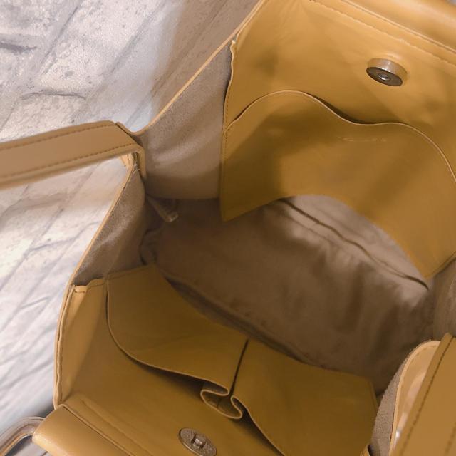 JEANASIS(ジーナシス)のJEANASiS ジーナシス ショルダーバッグ 黄色 イエロー マスタード 合皮 レディースのバッグ(ショルダーバッグ)の商品写真