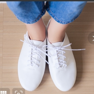 【11/17値下げしました】レースアップシューズ白~21㎝ mooi mooi(ローファー/革靴)