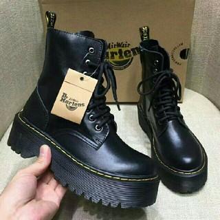 正規品UK5ドクターマーチン Dr.Martens  新品 厚底ブーツ 革靴