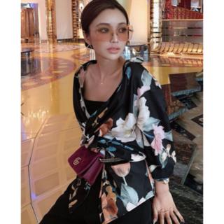 eimy istoire - Sophia flower フロントクロスシャツ エイミーイストワール ブラック