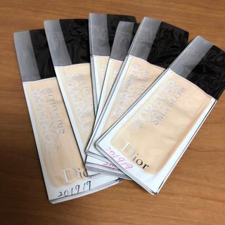 ディオール(Dior)の6袋 スキングロウファンデーション(ファンデーション)