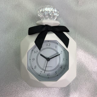 Francfranc - 【新品】パヒューム型置時計(ホワイト)