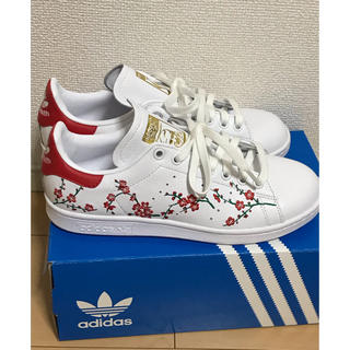 アディダス(adidas)のadidas  STAN SMITH W  花柄  刺繍   赤  24.0㎝(スニーカー)