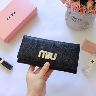 ミュウミュウ(miumiu)の新品 MiuMiu ミュウミュウ    長財布(長財布)