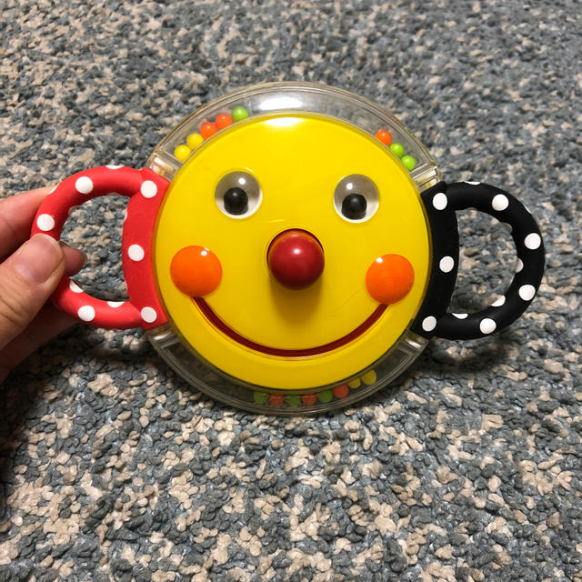 Sassy(サッシー)の【sassy】にこにこミラーラトル/ガラガラ キッズ/ベビー/マタニティのおもちゃ(がらがら/ラトル)の商品写真