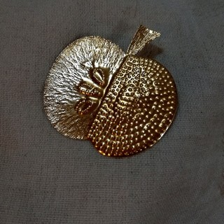 mina perhonen - 真鍮ブローチ11『林檎 』フェリシモ イエナ ミナペルホネン マリメッコ
