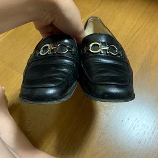 サルヴァトーレフェラガモ(Salvatore Ferragamo)の靴(ローファー/革靴)