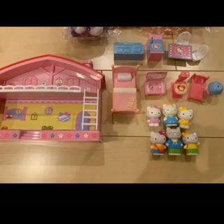 ハローキティ(ハローキティ)のキティちゃん ドールハウス   お人形 おもちゃ(ぬいぐるみ/人形)
