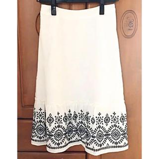 刺繍入りスカート♡ホワイト(ひざ丈スカート)