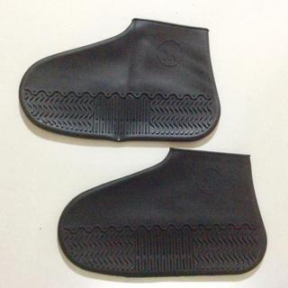 【新品】シューズカバー ブラック  Mサイズ (22.5-26cm)(レインブーツ/長靴)