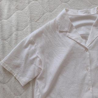 ジーユー(GU)の白 開襟シャツ(シャツ/ブラウス(半袖/袖なし))