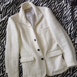 ダブル(DOWBL)の☆ホワイトジャケット☆(テーラードジャケット)