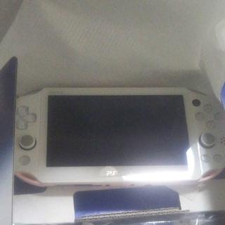 PlayStation Vita - psvita2000 ピンク×ホワイト