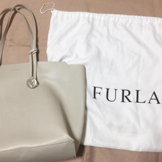 Furla - 【値下げしました!】FURLA サリー Lサイズ