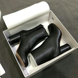 マルタンマルジェラ(Maison Martin Margiela)のMasion Margielaメゾン マルジェラ シルバー ブーツ足袋(ブーツ)