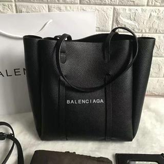 Balenciaga - Balenciaga トートバッグ ポーチ付き 高級感 おしゃれ