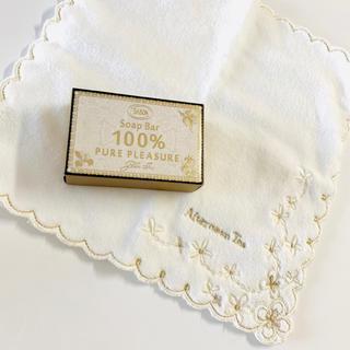 サボン(SABON)のSABON 限定品 石けん & AfternoonTea 刺繍 ハンカチ。新品!(ボディソープ / 石鹸)
