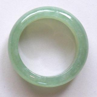 人気商品! 希望を叶える魔法の石 魅惑のグリーン 高級翡翠の指輪11号(リング(指輪))