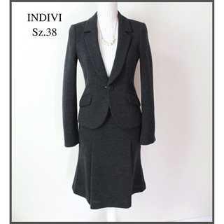インディヴィ(INDIVI)のインディヴィ★リブ生地 セットアップスーツ スカート 38(M) 式典 灰(スーツ)