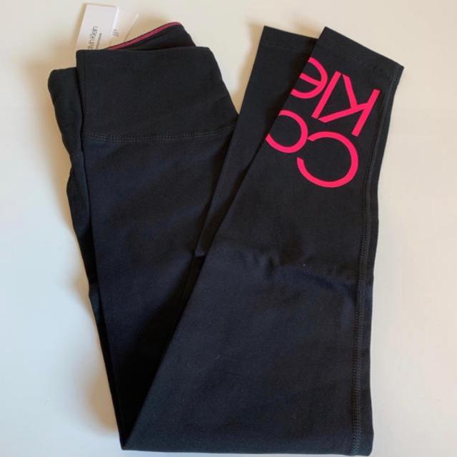 Calvin Klein(カルバンクライン)の【新品】カルバンクライン スタック ロゴ レギンス L レディースのレッグウェア(レギンス/スパッツ)の商品写真