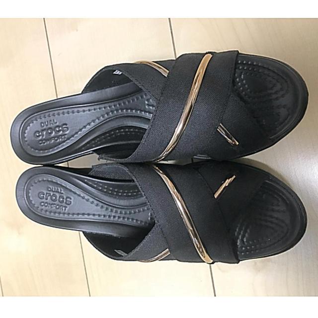 crocs(クロックス)の【新品未使用】 クロックス クロスストラップサンダル レディースの靴/シューズ(サンダル)の商品写真